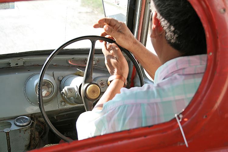 Taxi dans les rues de Yangoon