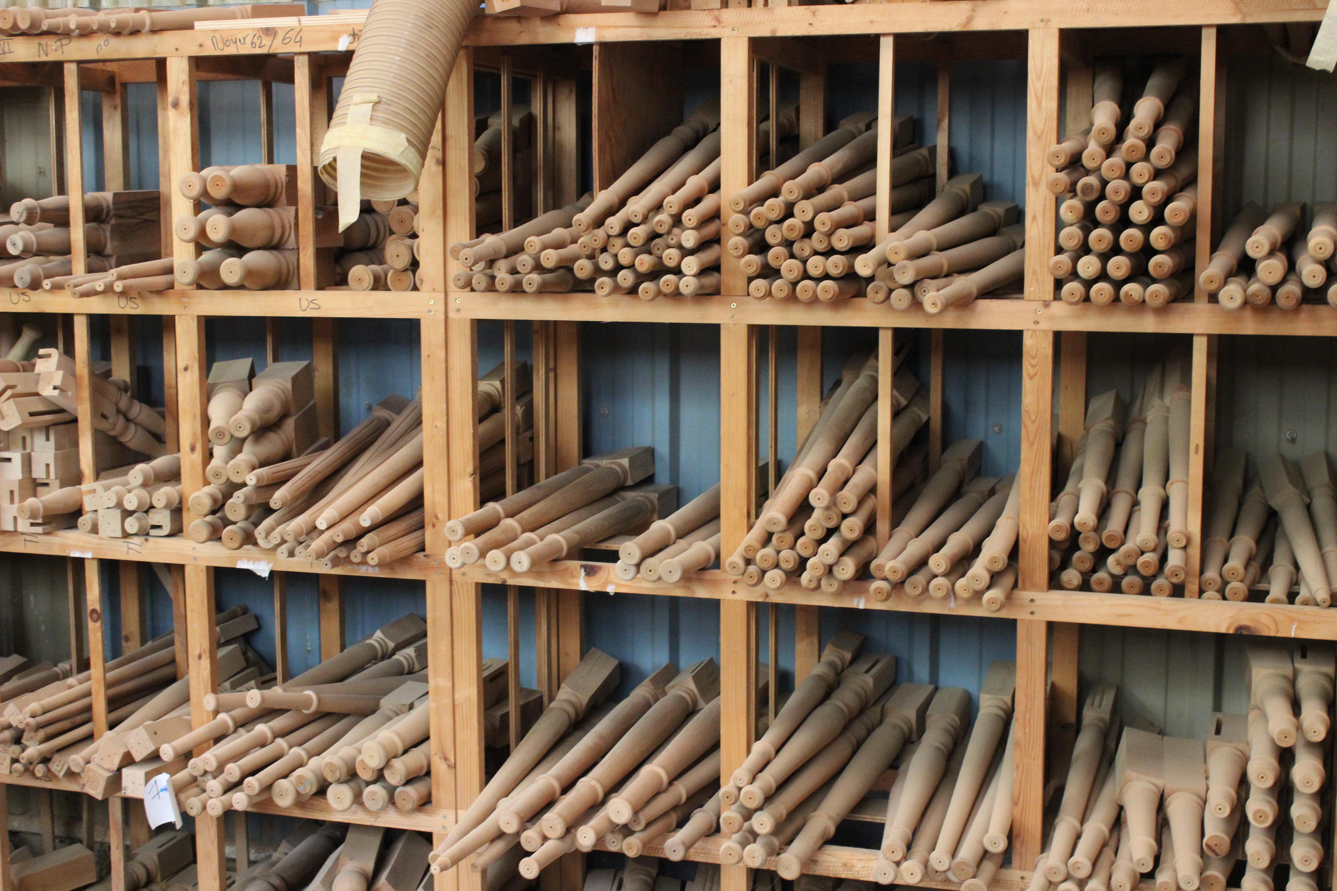 Petit reportage sur l'usine de meubles design Dasras à Méral